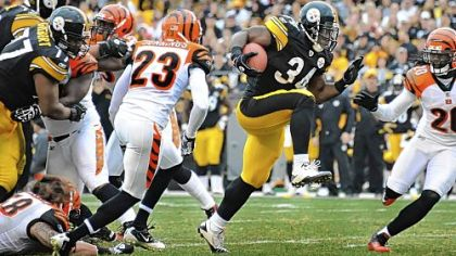 Rashard Mendenhall high steps his way into the end zone against the Bengals Sunday at Heinz Field.