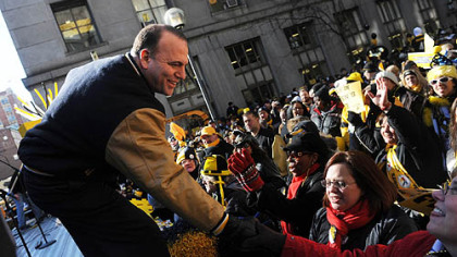Allegheny County Executive Dan Onorato greets Steelers fans.