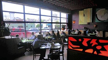 At the new Mad Mex in Shadyside, a large front window opens onto Highland Avenue.