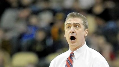 Duquesne coach Ron Everhart reacts to a call Sunday at Consol Energy Center.