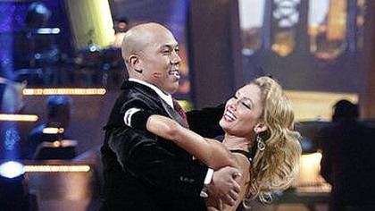 Hines Ward and Kym Johnson making their move in the competition.