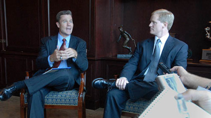 Pirates president Frank Coonelly, left, and general manager Neal Huntington.