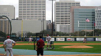 Stanford takes batting practice at Reckling Park. The light tower that Rice&#039;s Anthony Rendon struck in November is in the background.