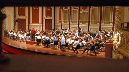 The Pittsburgh Symphony Orchestra rehearses at Heinz Hall in 2006.