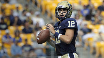 Pitt quarterback Tino Sunseri looks to throw against Maine in the first quarter at Heinz Field.