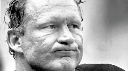 Mike Webster == Steelers Hall of Fame center suffered from amnesia, dementia and depression before dying in 2002 at age 50.