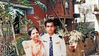 Bobby with his mother, Bano Quamar, before the 1996 accident that caused him to lose his sight. She had a big influence on his rehabilitation.