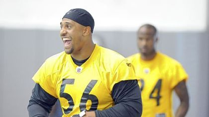 LaMarr Woodley gets ready for practice Wednesday.