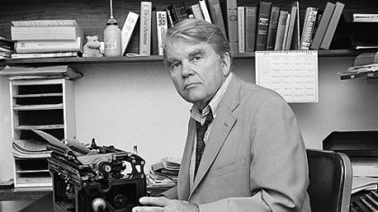 Andy Rooney at his typewriter in his New York office in 1978.