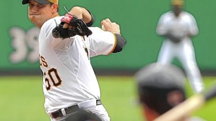 Charlie Morton turned in a quality start for the Pirates, going seven innings and giving up three runs, but it wasn't enough to pick up his 10th win of the season.